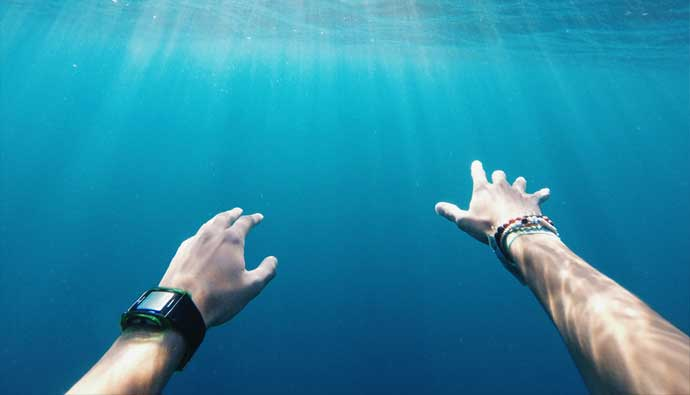 Best Freediving Watch can be used for scuba and spearfishing too
