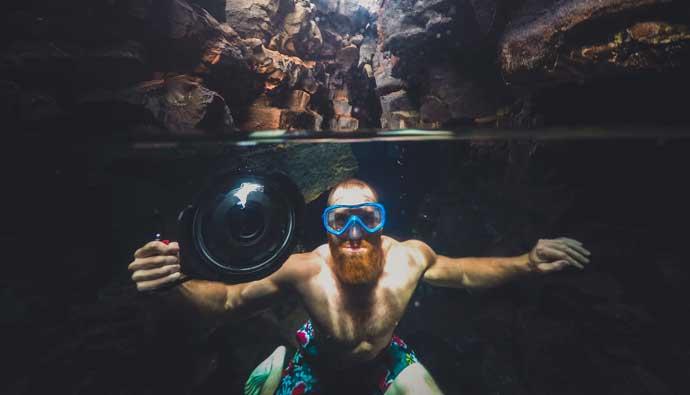 diver underwater camera