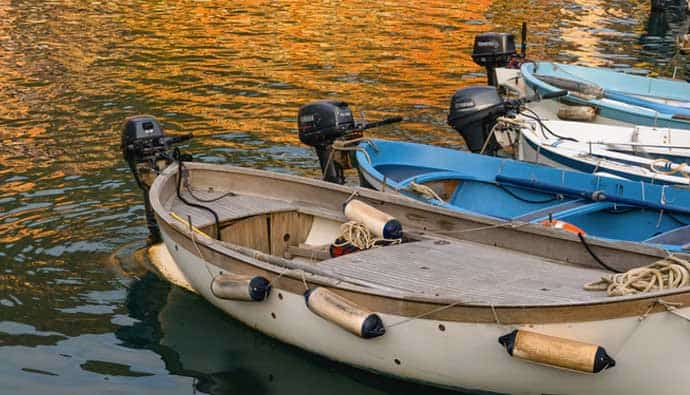 Best Trolling Motors Line Up of Boats