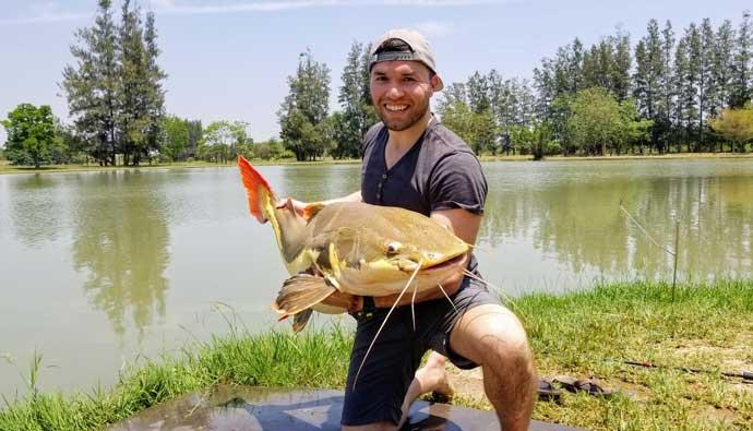 fishing in bangkok for redtail catfish